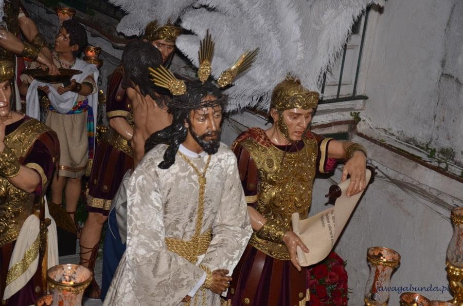 postacie świętych i Chrystus