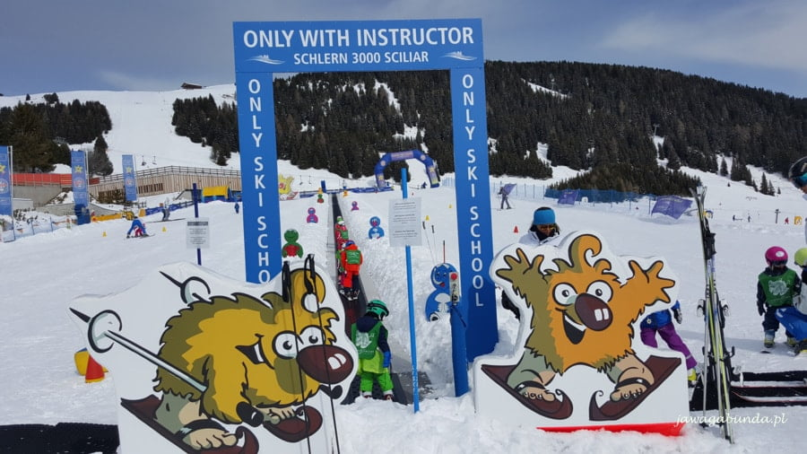 śniegowy plac zabaw dla dzieci