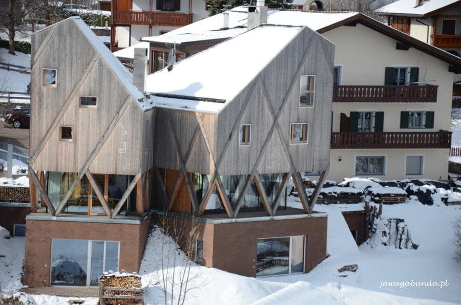 bardzo nowoczesny dom w górach