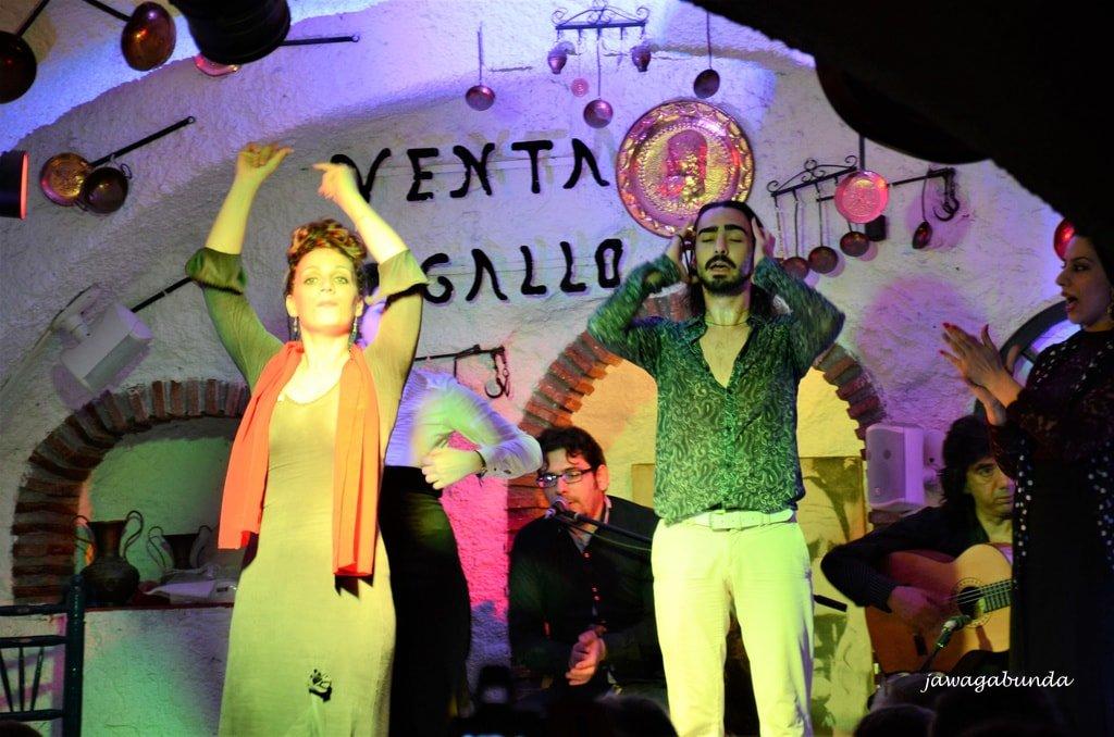 w klubie flamenco artyści