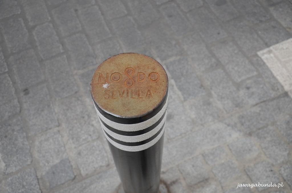 słupek do parkowania w Sewilli