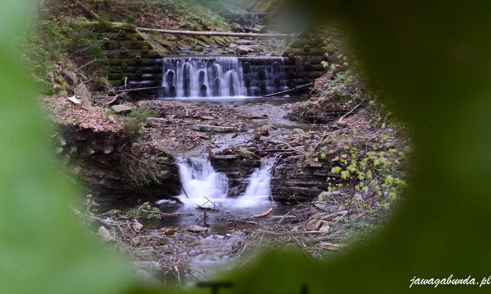 potok górski w beskidach zdjęcie zrobione przez listek