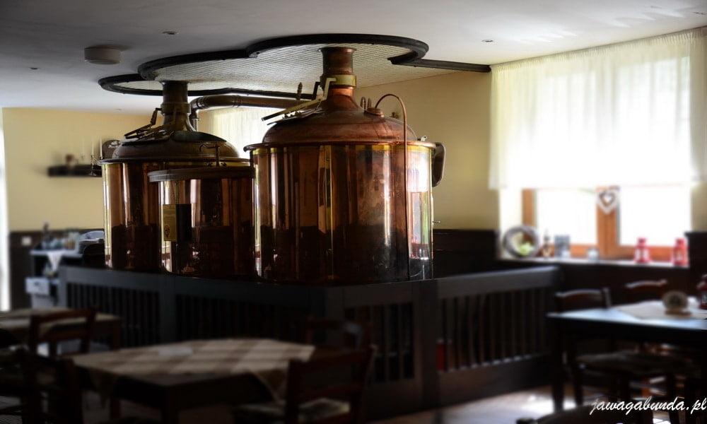 kadzie w których produkuje się piwo w hotelu Pod Kycmolem