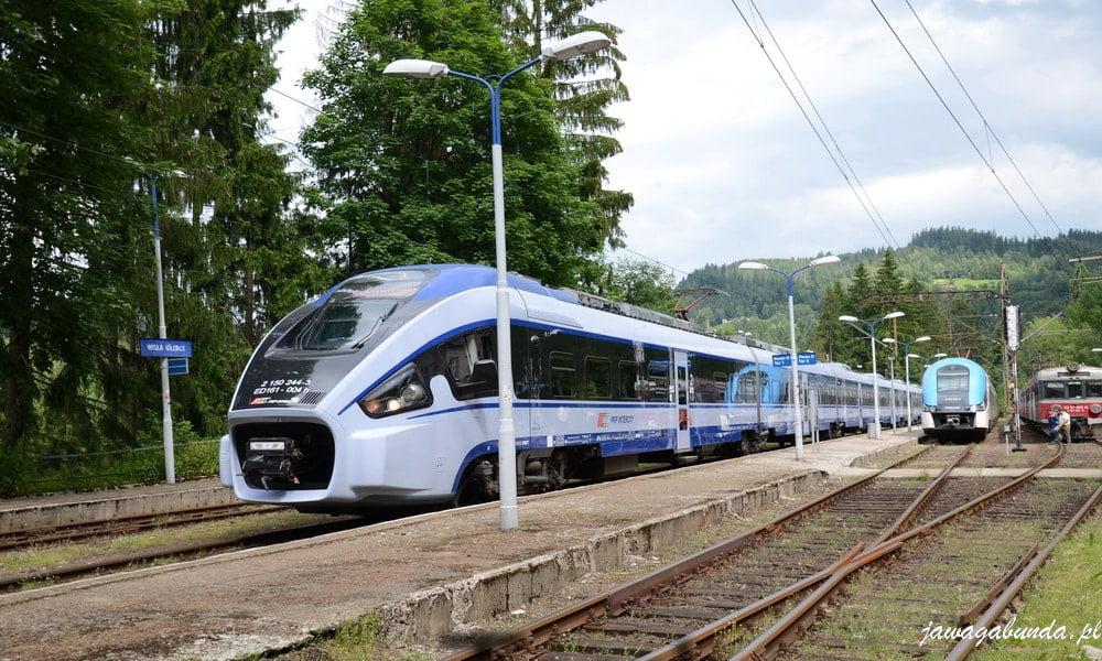 nowoczesny pociąg Pendolino na stacji kolejowej Wisła Głębce