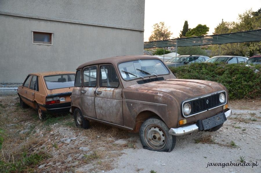 dwa stare auta