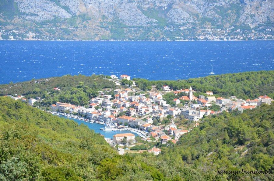 wioska nad morzem widziana z góry