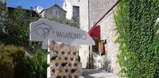 kierunkowskaz do restauracji Vagabundo