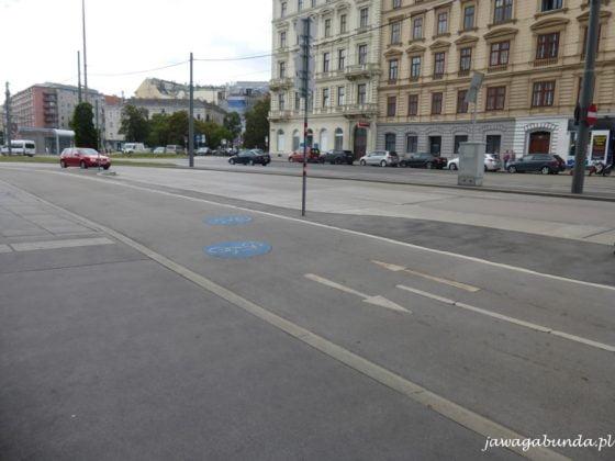 trasa rowerowa i ulica
