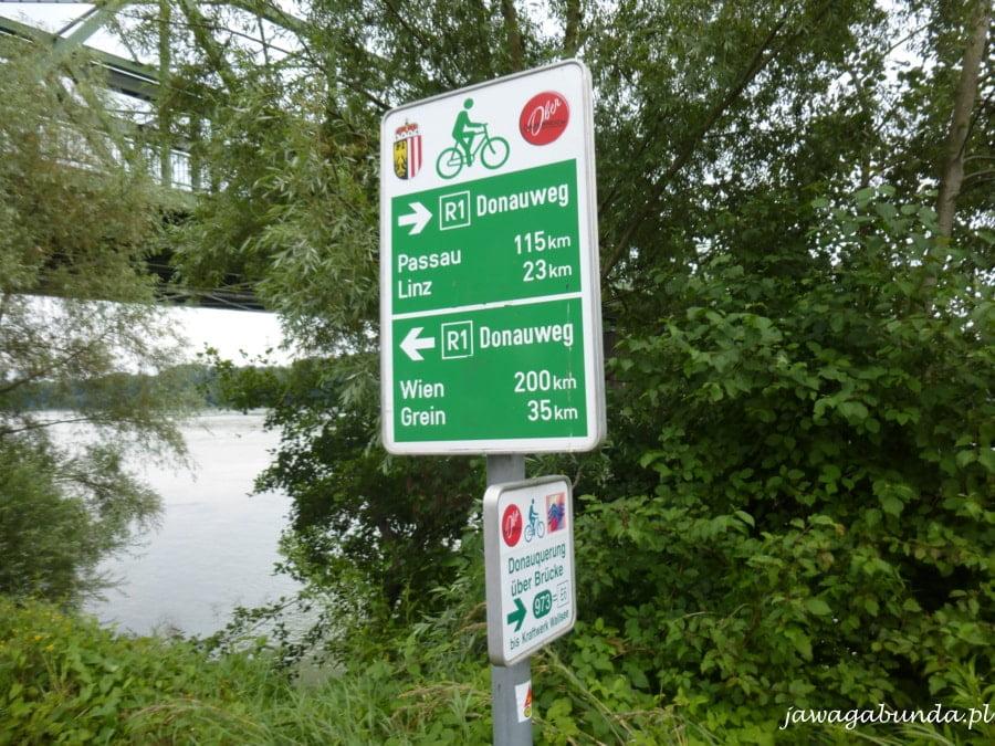 tablica z informacjami dla rowerzystów