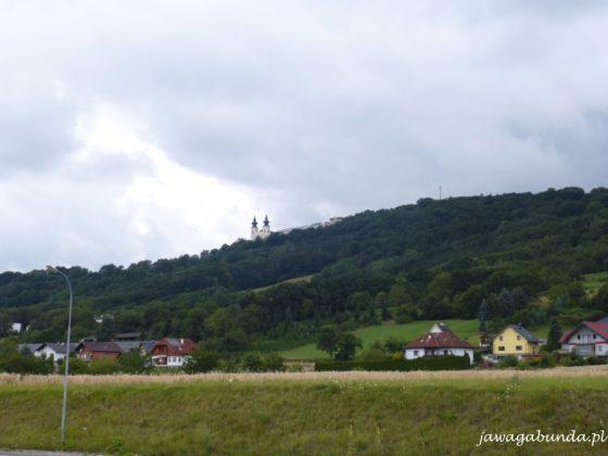 kościół na szczycie góry