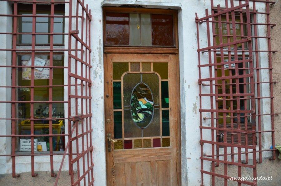 drzwi z malowanym szkłem