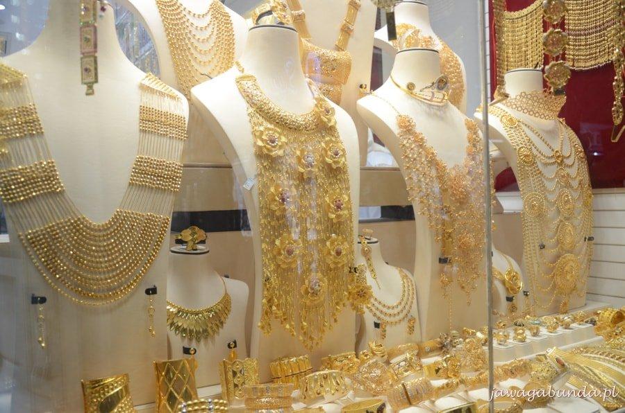 gorsety wykonane ze złota