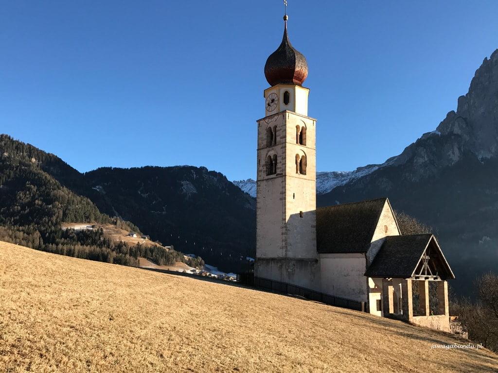 Kościołek świętego Walentego w górach
