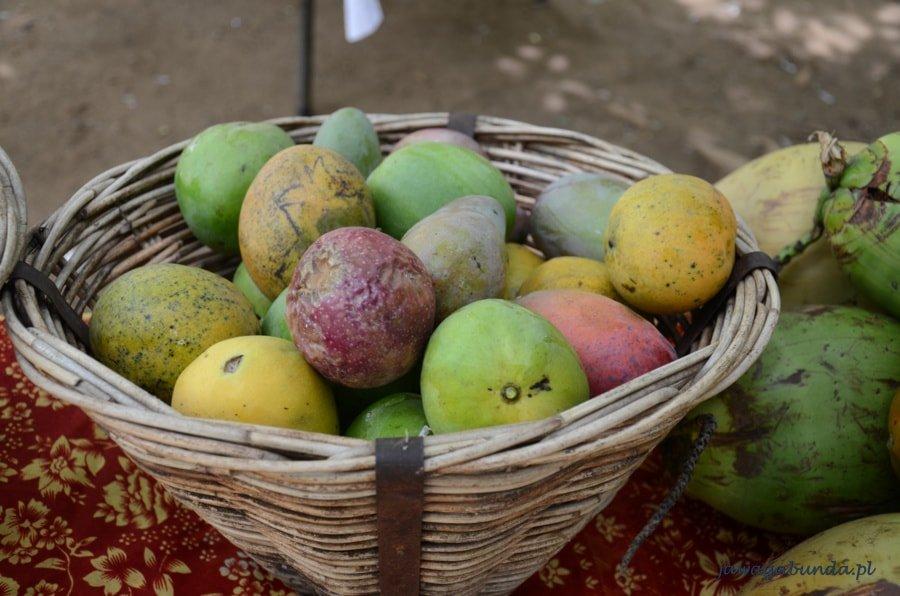 Mauritius - kosz zerwanych prosto z drzewa