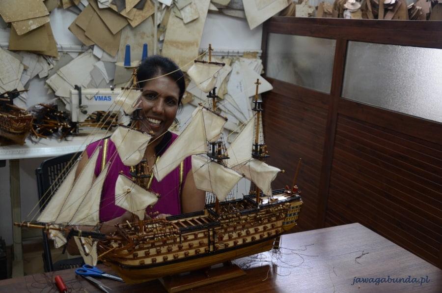 model statku i kobieta