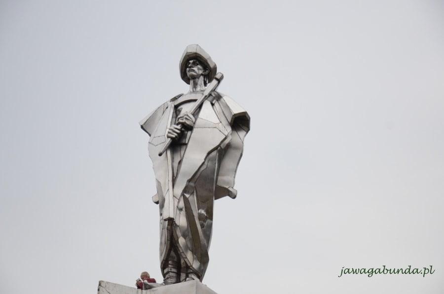 pomnik Janosika wykonany ze stali