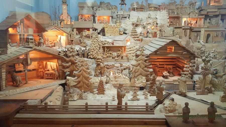 drewniana ruchoma stajenka
