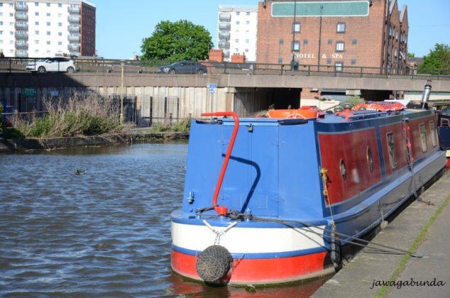Barka na kanale