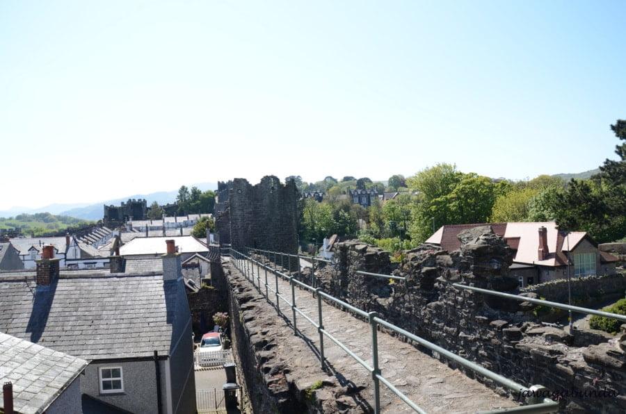 stare mury okalajace miasto