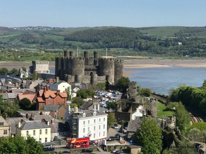 widok na zamek i miasto Conwy z góry