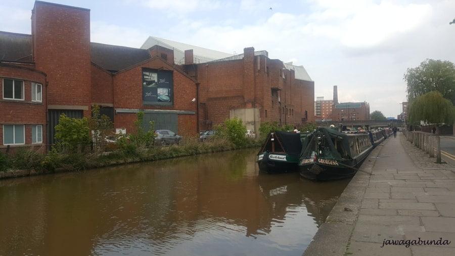 barki na kanale