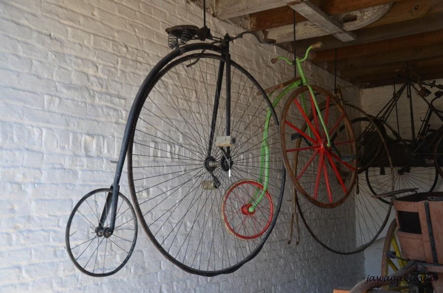 rower z małym kołem z przodu