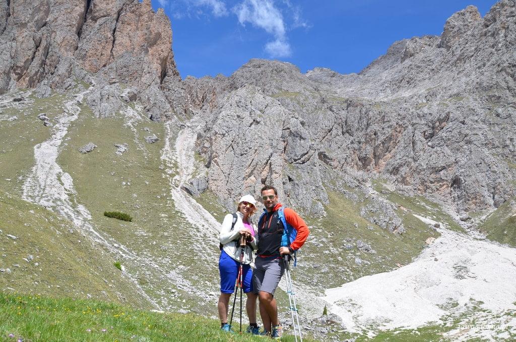 kobieta i mężczyzna w górach