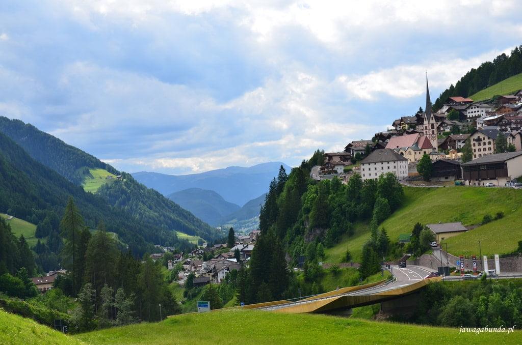 miasteczko w górach