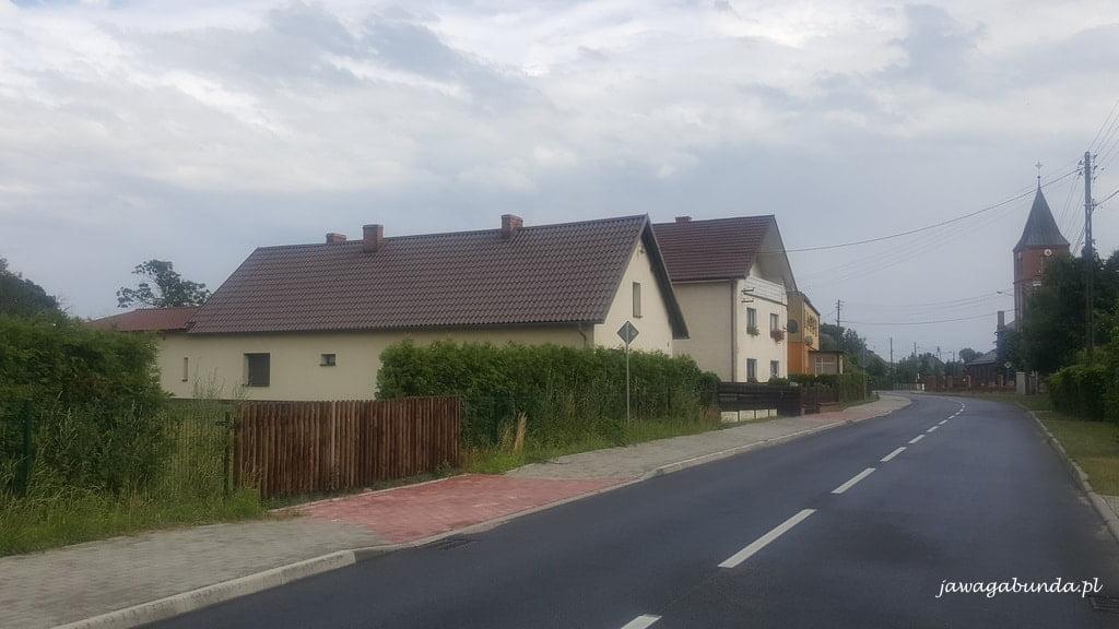 droga przez wieś