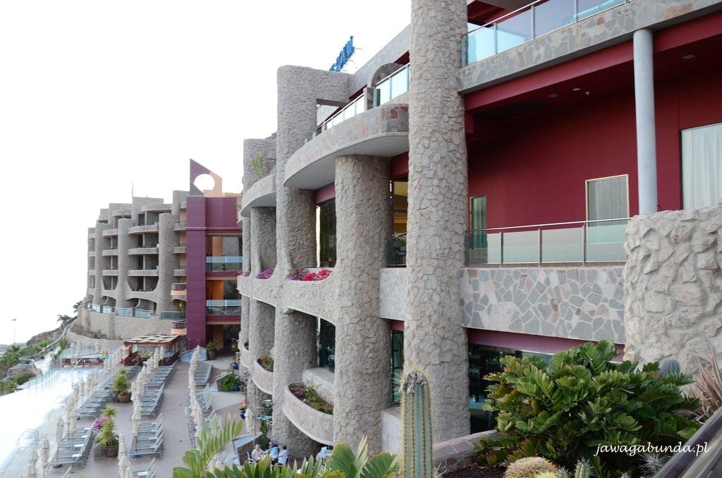 hotel o architekturze Gaudiego