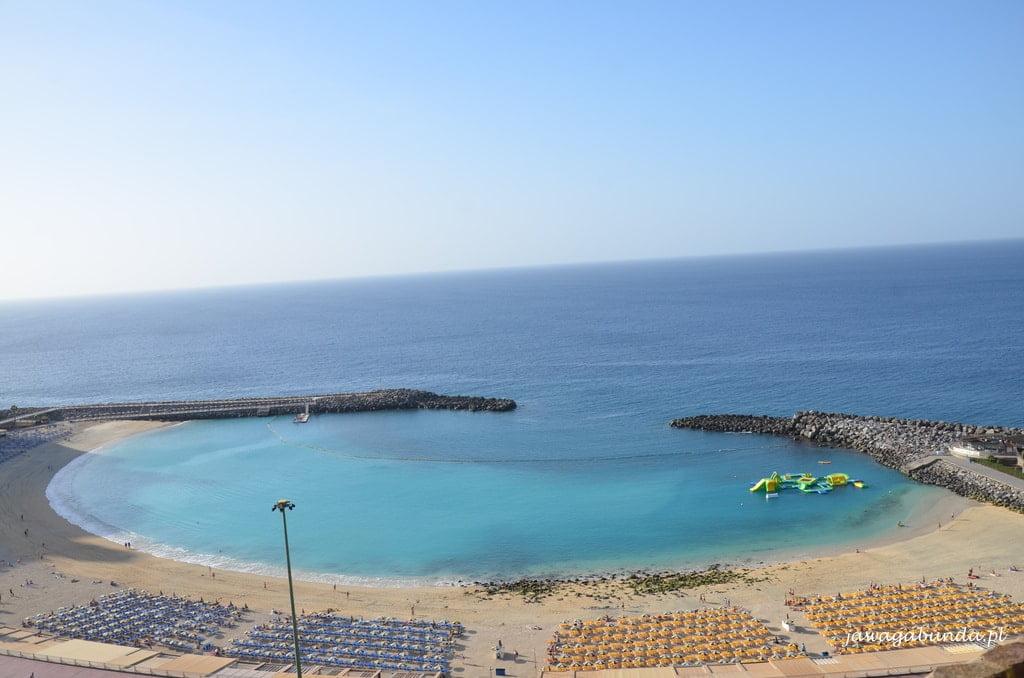 plaża w formie zatoczki widok z góry