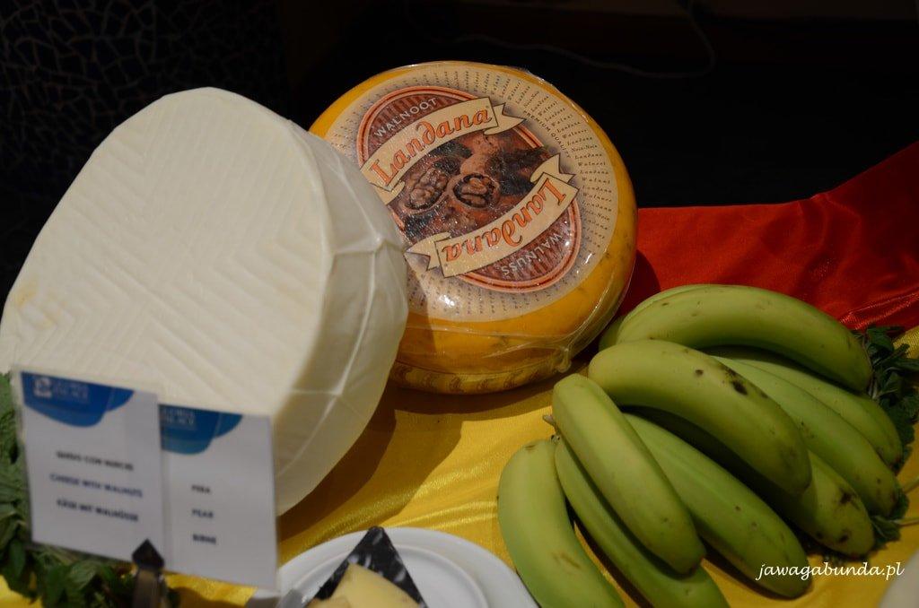 banany małe zielone i sery