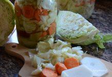 kiszone warzywa w słoju