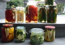 kiszone warzywa w słojach