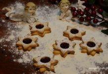ciasteczka w formie gwiazdek i anioły