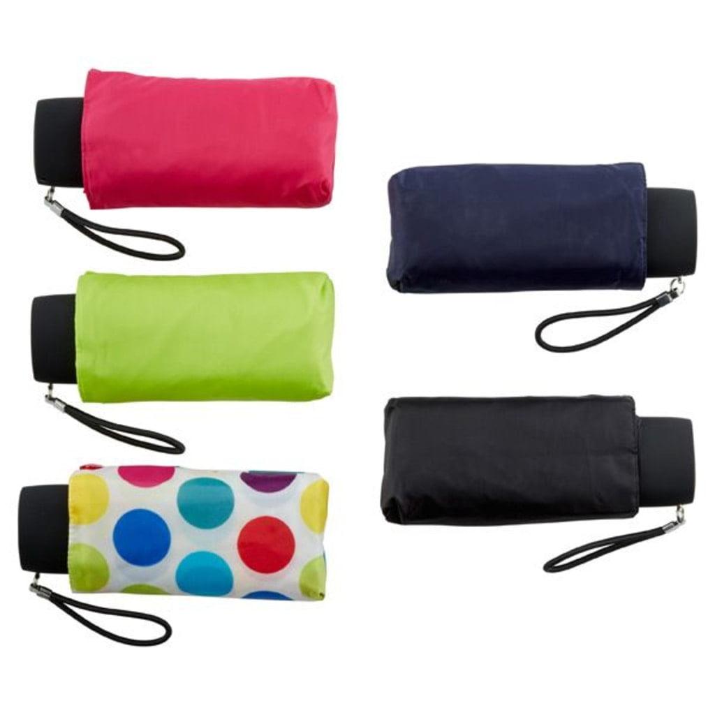 małe i kolorowe parasolki złożone