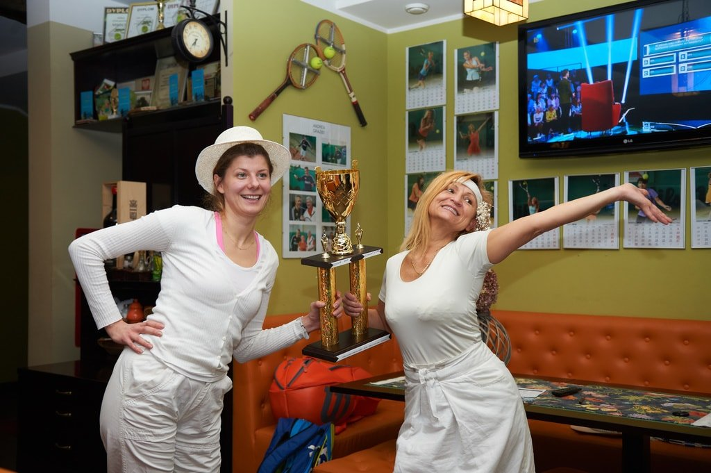 dwie kobiety, które wygrały puchar