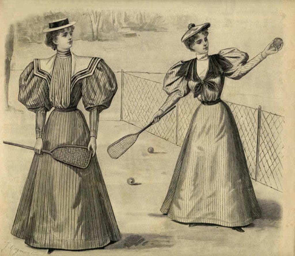 kobiety grające w tenisa w długich sukniach
