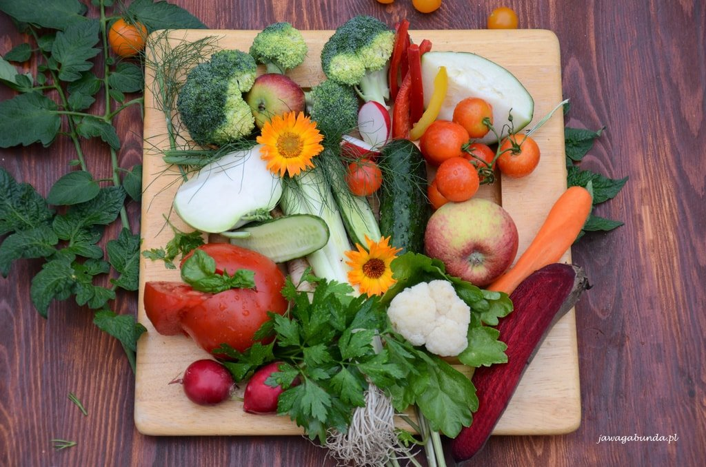 talerz warzy i owoców