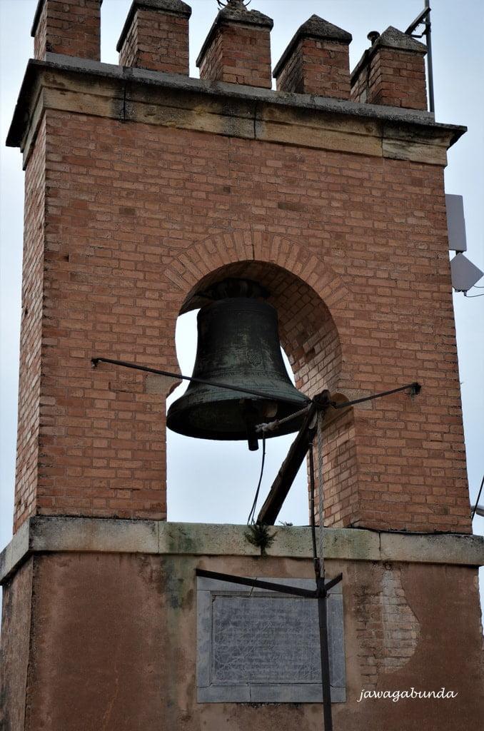 dzwon na wieży