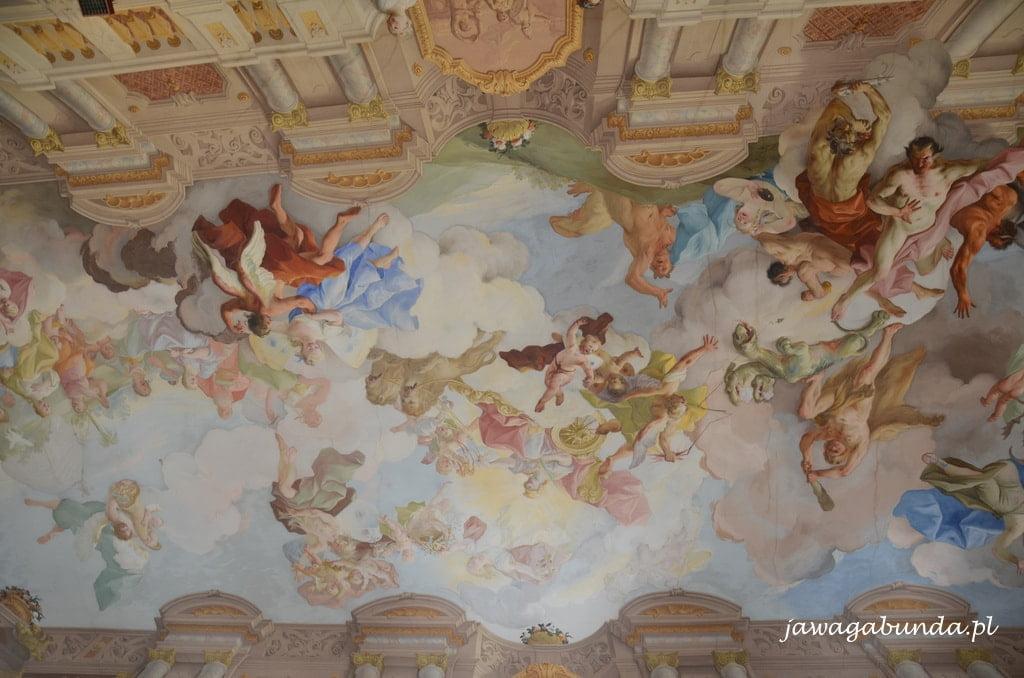 Freska na suficie