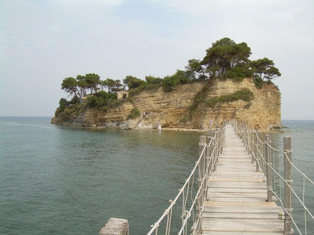 most na wyspę