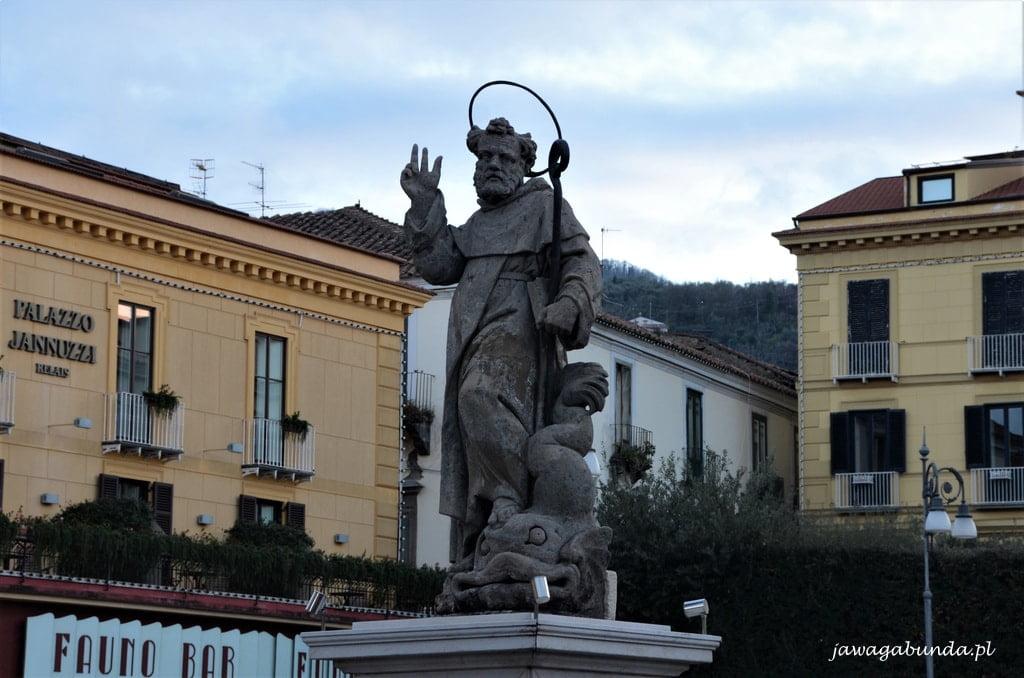 pomnik świętego