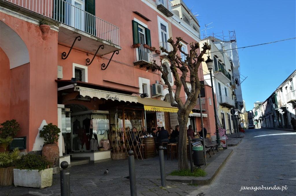 Bar i sklep spożywczy