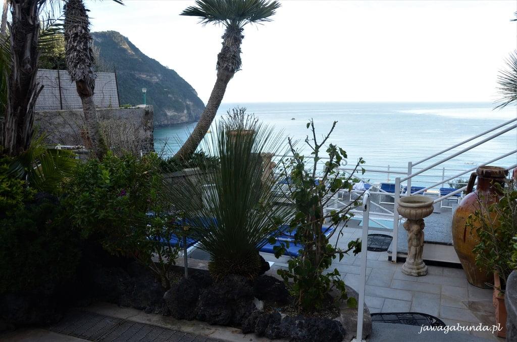 basen i widok na morze