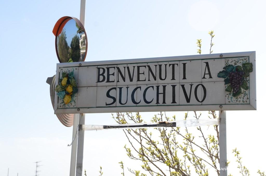 tabliczka z nazwą miasteczka