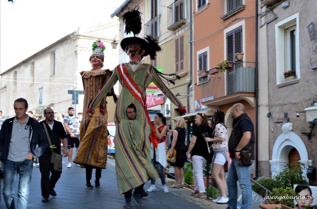 giganci na ulicy Kalabria