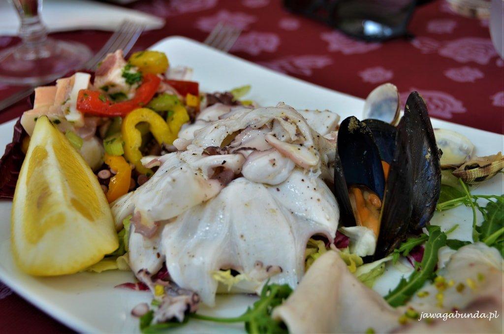 talerz z owocami morza Kalabria