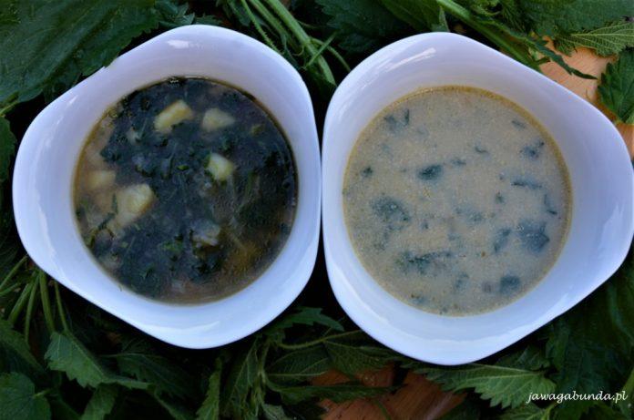 dwie miseczki z zupą z pokrzywy