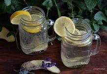 lemoniada imbirowa w szklance